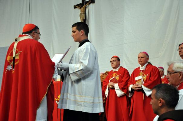Zamolba kardinala Puljića za početak čina beatifikacije Drinskih mučenica